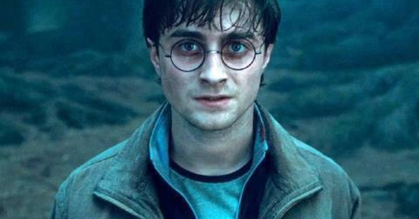harry-potter-and-the-deathly-hallows-trailer-hits-the-web-video-6f199ae35b